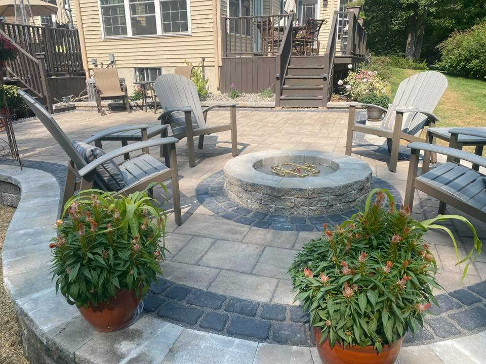 hardscape patio and firepit