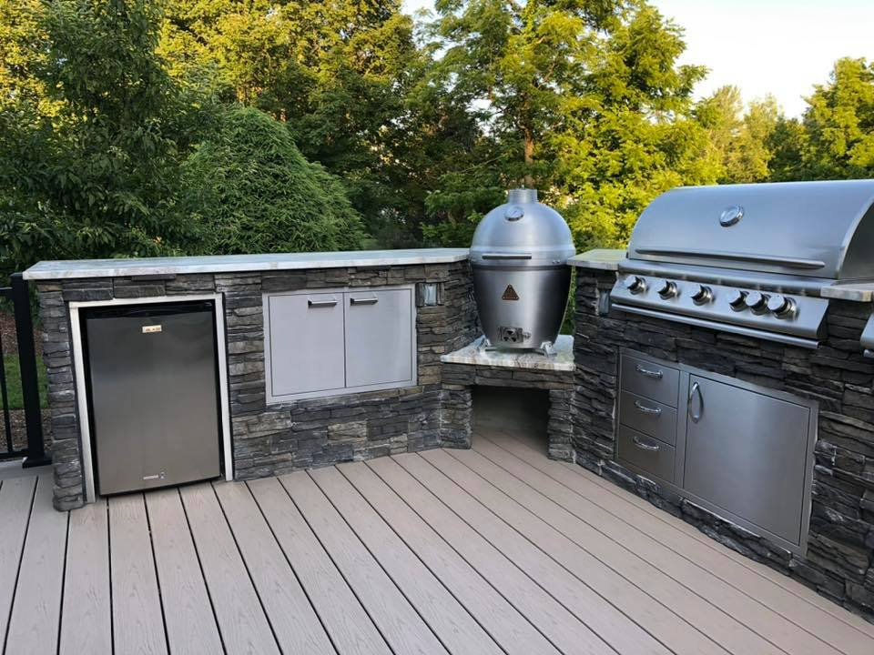 trex deck and outdoor kitchen